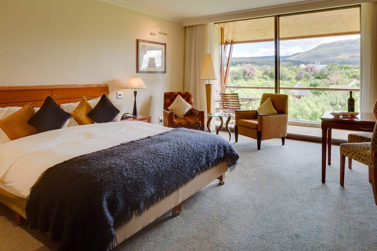 Arabella-Hotel-Deluxe-Guest-Room-Mountain-or-Pool-View