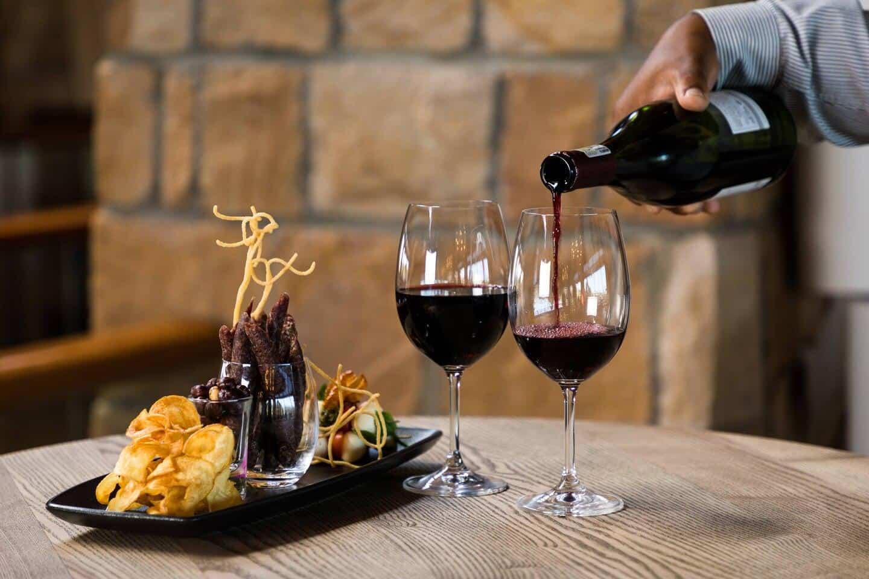 Arabella-Hotel-Laguna-Lounge-Wine-Tasting-Platter