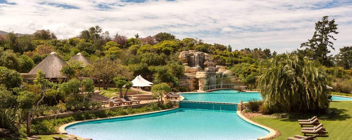 Arabella-Hotel-Pool-Area