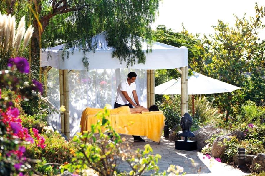 Casa-Leon-massage-in-Garden-