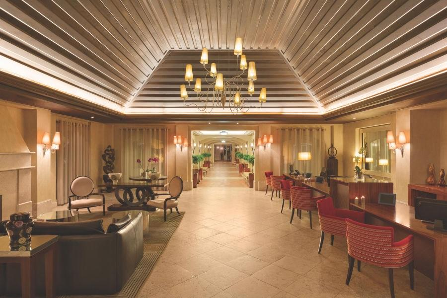 Dolce-Campo-Real-Lobby