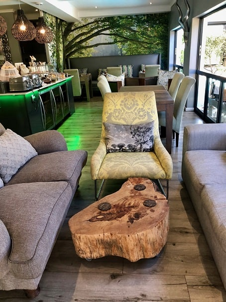 Silver-Forest-Lounge