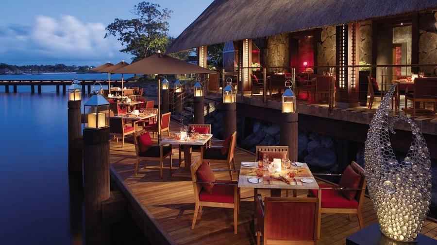 Four-Seasons-Anahita-Acquapazza-Restaurant-Terrace