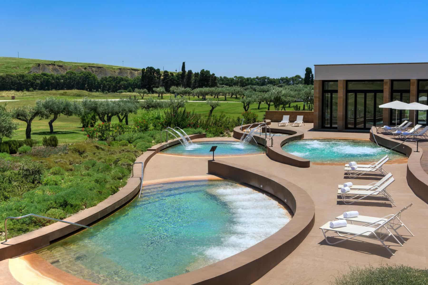 Rocco-Fortes-Verdura-Resort-Spa-Thalassotherapy-Pools