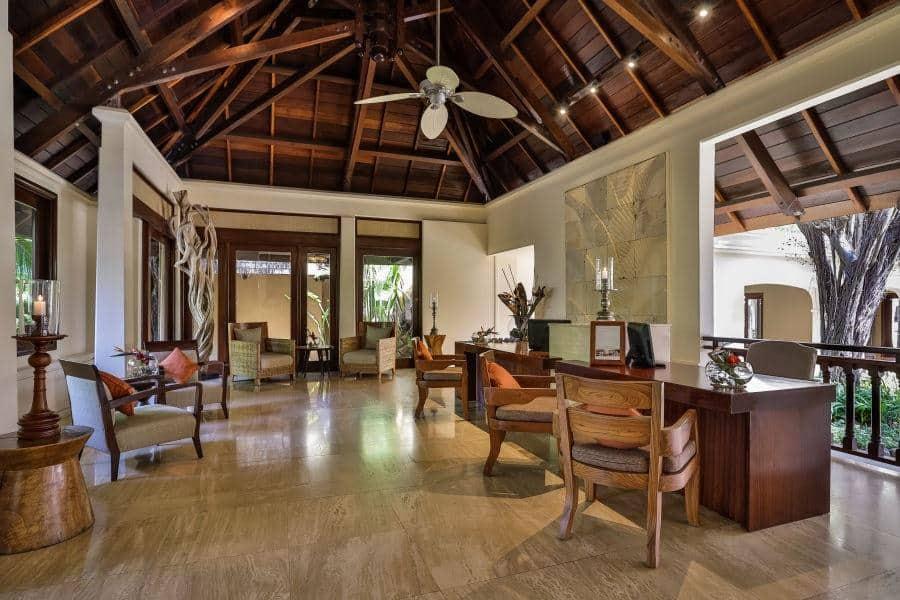 Shanti-Maurice-Hotel-Reception