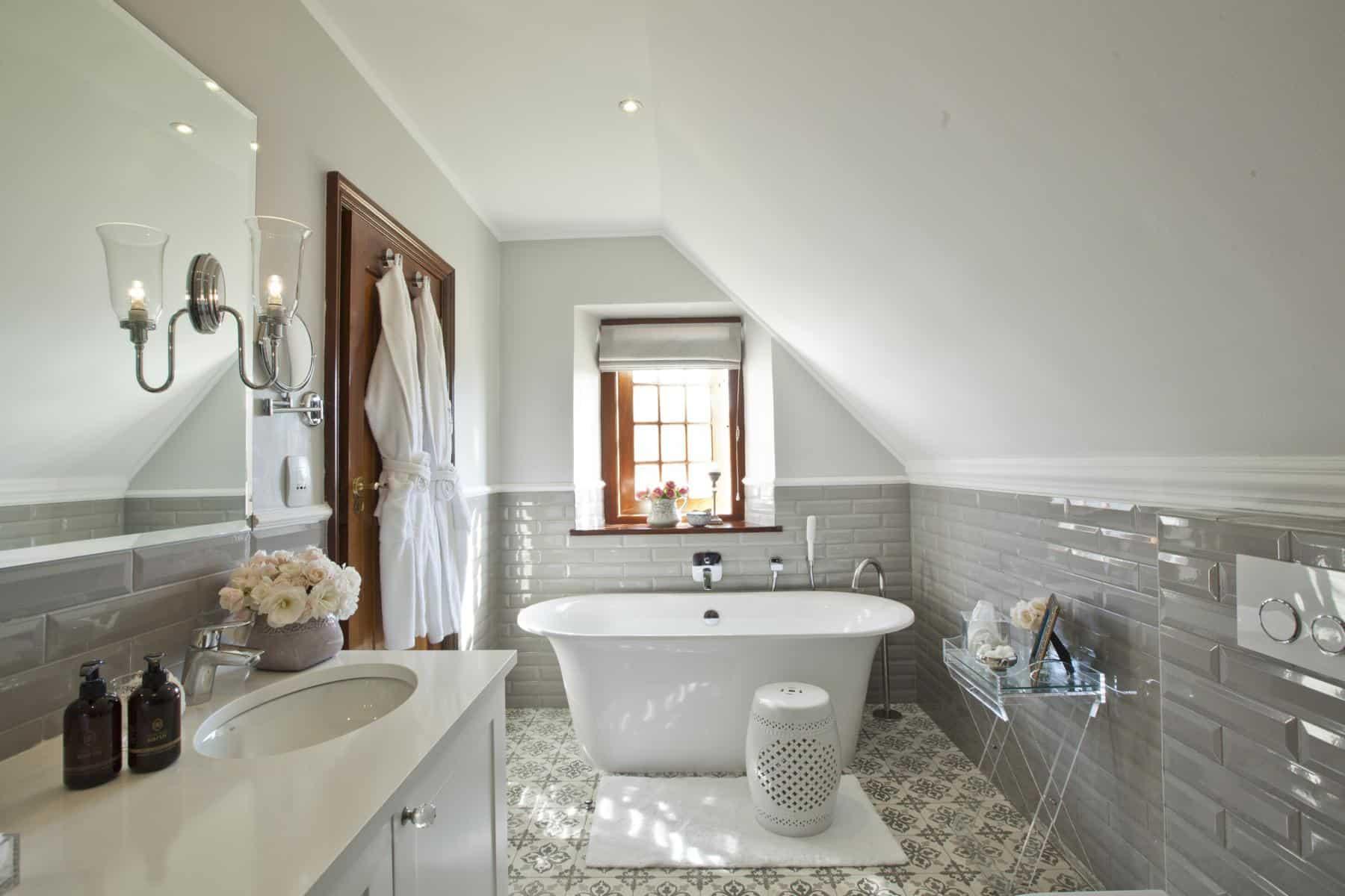 Steenberg-Farm-Standard-Bathroom